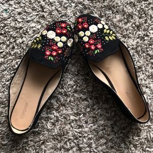 Topshop Black Floral Embroidered Flats size 8